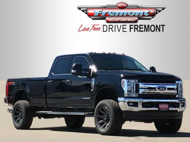 New 2018 Ford Super Duty F-350 SRW XLT 4WD Crew Cab 8' Box