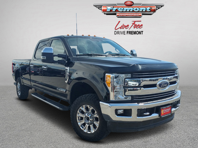 Certified Pre-Owned 2017 Ford Super Duty F-350 SRW Lariat 4WD Crew Cab 8' Box