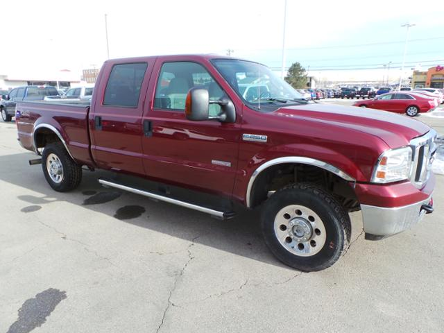 Pre-Owned 2005 Ford Super Duty F-250 Crew Cab 156 XLT 4WD