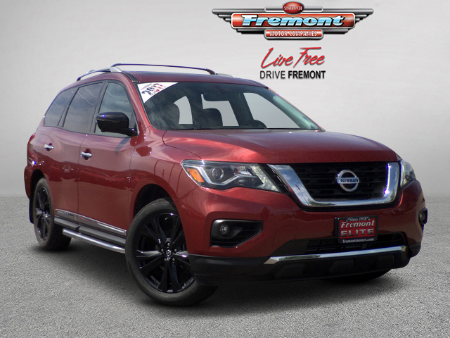 Certified Pre-Owned 2017 Nissan Pathfinder 4x4 Platinum