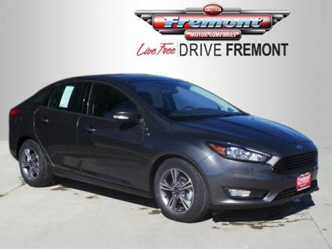 New 2017 Ford Focus SE Sedan FWD 4dr Car