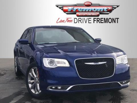 New 2018 Chrysler 300 Touring L AWD With Navigation & AWD