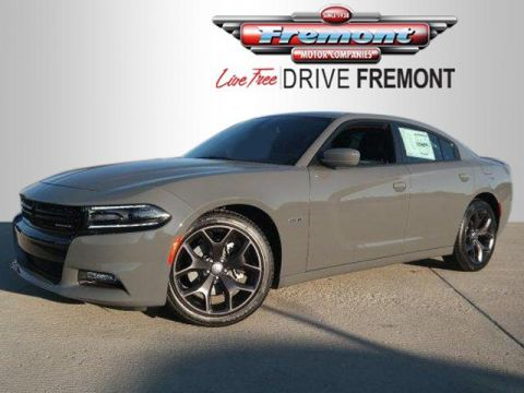 New 2017 Dodge Charger R/T RWD With Navigation