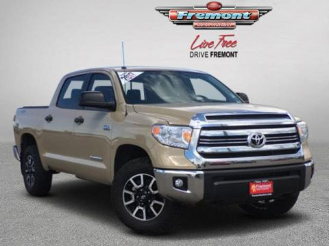 Certified Pre-Owned 2017 Toyota Tundra 4WD SR5 CrewMax 5.5' Bed 5.7L FFV