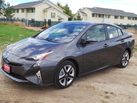 New 2017 Toyota Prius Three Touring (Natl) With Navigation